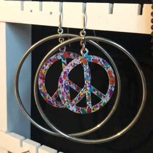 PEACE SIGN HOOPS